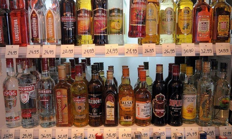 Vidutiniškai kiekvienas suaugęs Lenkijos gyventojas 2018 m. išgėrė 11,7 l gryno alkoholio. AFP nuotr.