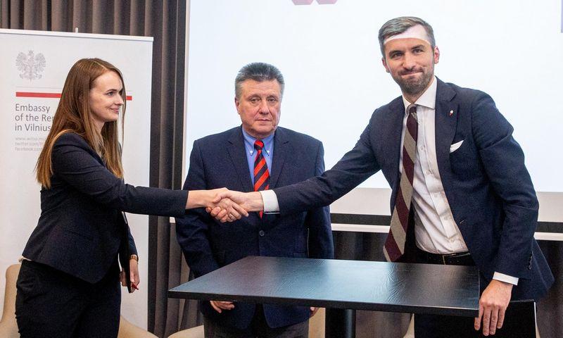 """""""GET Baltic"""" ir Lenkijos prekių kliringo namų IRGiT sutarties pasirašymas. Juditos Grigelytės (VŽ) nuotr."""