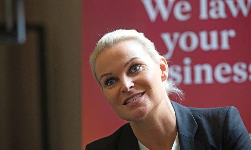 """Leena Hellfors, Suomijos teisinių paslaugų bendrovės """"Fondia"""" vadovė, sako, kad kabineto turėjimas geresniu vadovu tavęs nepadaro. Vladimiro Ivanovo (VŽ) nuotr."""