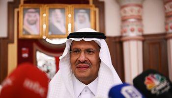 Saudo Arabija ramina naftos rinką ir ieško kaltininkų Irane