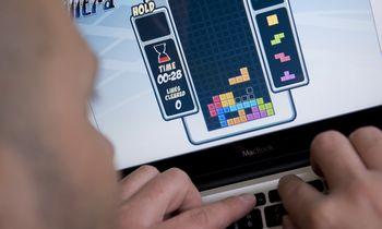Kompiuteriniai žaidimai stresą mažina geriau užsąmoningumo ugdymo programėles