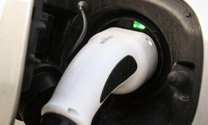 Seime – siūlymas įvesti lengvatinį 9 proc. PVM elektromobiliams