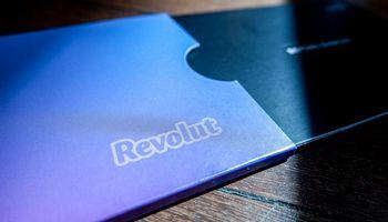 """""""Revolut"""" pristatė akcijų prekybą standartinių ir """"Premium"""" planų naudotojams"""