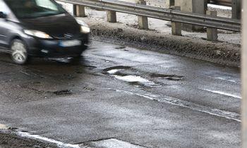 Vairuotoja už apgadintą automobilį iš savivaldybės prisiteisė per 2.000 Eur