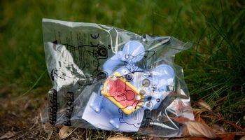 Restoranai atsisako plastikinių žaislų vaikiškuose rinkiniuose