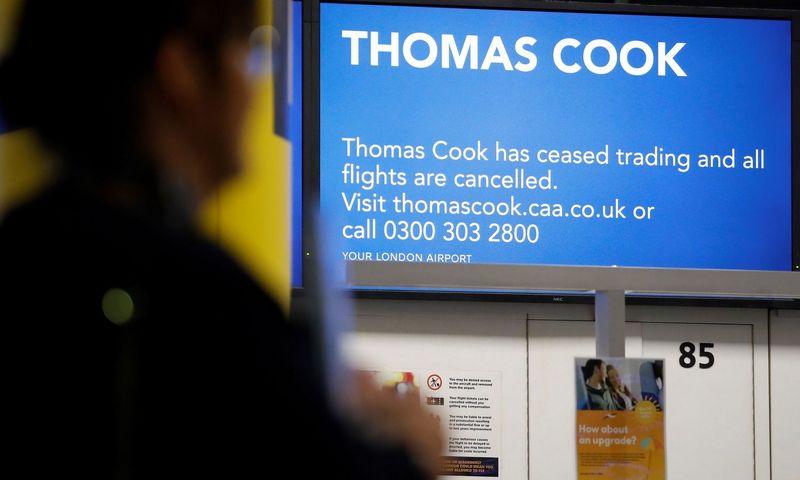 """Visi  """"Thomas Cook"""" užsakymai skrydžiams ar viešbučiams atšaukti. Tolga Akmen (""""AFP""""/""""Sc"""