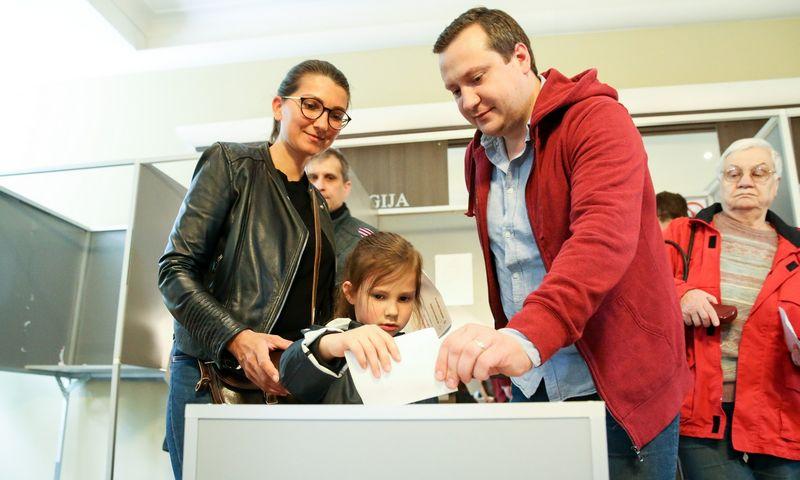 Balsavimas Žveryno balsavimo apylinkėse. Vladimiro Ivanovo (VŽ) nuotr.