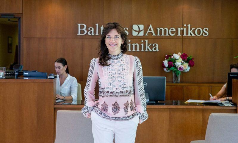 """Inga Malinauskienė, terapijos ir chirurgijos paslaugas teikiančios Baltikos Amerikos klinikos savininkė bei valdybos pirmininkė, pabrėžia, kad sertifikatas """"Stipriausi Lietuvoje"""" rodo verslo sąmoningumą. Juditos Grigelytės, VŽ nuotr."""