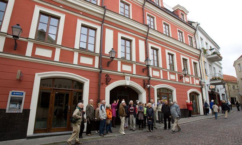 Savaitgalį vilniečiai galės rinktis iš 20-ies teminių nemokamų ekskursijų po senus ir naujesnius miesto rajonus. Vladimiro Ivanono (VŽ) nuotr.