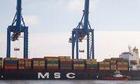 Paslaugų eksportas auga dukart sparčiau nei prekių