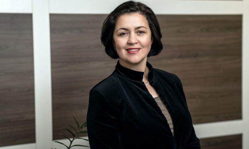 """""""Jei įmonė apsisprendė investuoti į IT sprendimus, tačiau neturi atliekamų resursų šioms investicijoms, patariama pasidomėti finansavimo sąlygomis banke"""", – ragina Goda Butkienė, Šiaulių banko Finansavimo paslaugų vystymo departamento direktorė. Bendrovės nuotr."""