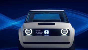 """""""Honda"""" atsisako dyzelinių variklių, pereina prie elektros"""