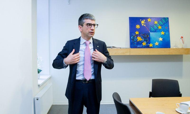 """Edvardas Liachovičius, """"ME Investicija"""" generalinis direktorius, nurodo, kad sandoris vykdomas, siekiant koncentruotis į transporto grupės veiklą. Juditos Grigelytės (VŽ) nuotr."""