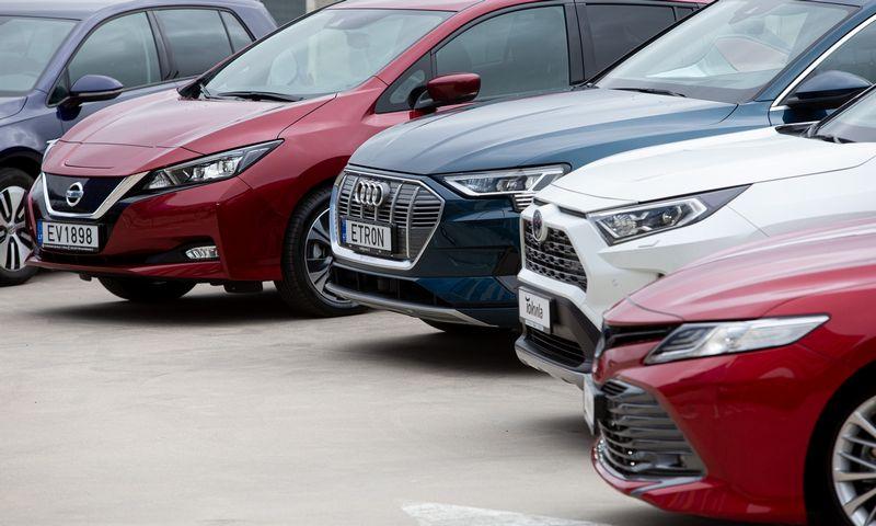 Rugsėjį augo tiek naujų automobilių prekyba Lietuvoje, tiek reeksportas. Vladimiro Ivanovo (VŽ) nuotr.