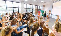 Karjerą technologijų srityje padariusios moterys vyks į 100 mokyklų: kodėl vis dar manoma, kad technologijos – vyrų sritis?