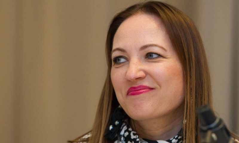 """Dainai Opolskaitei ES literatūros premija įteikta  už novelių knygą """"Dienų piramidės"""".  Mildos Juknevičiūtės (""""Tyto alba"""") nuotr."""