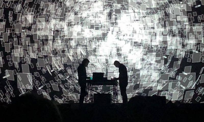 """""""Gaidos"""" programoje – ir garsus prancūzų elektroninės muzikos atlikėjas Franck Vigroux, su vaizdo menininku Antoine'u Schmittu atvežantisįspūdingą audiovizualinį projektą """"Chronostasis"""". Rengėjų nuotr."""