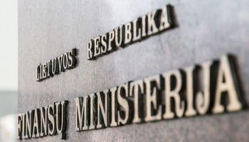 Finansų ministerija siūlo kitąmet didinti kai kuriuos mokesčius