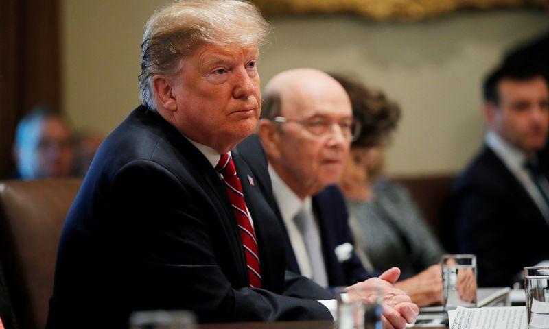 """JAV prezidentas Donaldas Trumpas ir prekybos sekretorius Wilburas Rossas. Carlos Barria (""""15min"""" / """"Scanpix"""") nuotr."""