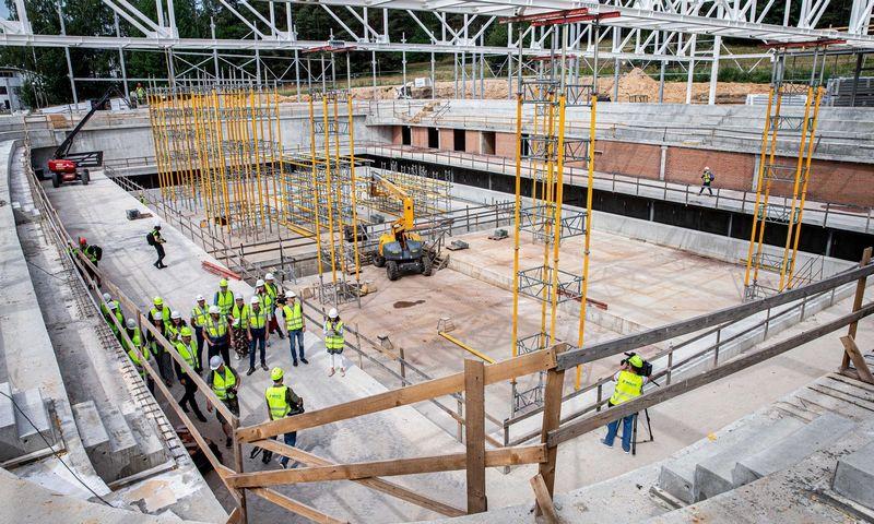 Lazdynų daugiafunkcio sveikatinimo centro statybų aikštelė birželio mėnesį. Juditos Grigelytės (VŽ) nuotr.