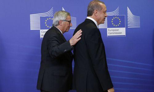 ES dėl Turkijos veiksmų Sirijoje svarstys sankcijų įvedimą