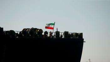 Irano tanklaivis prakiuro – naftos kaina pakilo