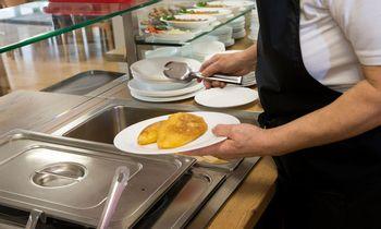 Suskaičiavo, kiek pajamų restoranai nuslepia per pietus
