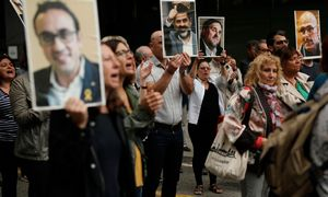 Devyni Katalonijos separatistų lyderiai nuteisti kalėti nuo 9 iki 13 metų