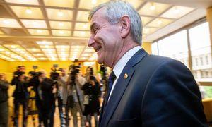 Parlamentarams ignoravus balsavimą, V. Pranckietis išliko Seimo vadovu