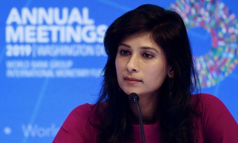 "Gita Gopinath, TVF vyriausioji ekonomistė. Olivier Douliery (""AFP"" / ""Scanpix"") nuotr."