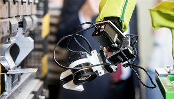 Darbo rinkos laukia iššūkiai: kas antra darbo vieta Lietuvoje bus automatizuota
