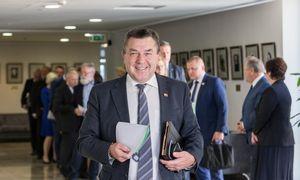 Seimo etikos sargai tiria skundus dėl V. Pranckiečio atstatydinimo procedūros