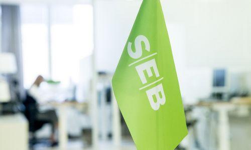 SEB iš stambių klientų Estijoje pradeda imti mokestį už pinigus banko sąskaitoje
