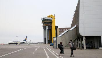 """""""MAAS Aviation"""" Kauno oro uoste stato orlaivių dažymo angarą"""