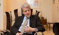 R. Shilleris: nuogąstavimai dėl recesijos plinta kaip virusas, todėl gali taptirealybe