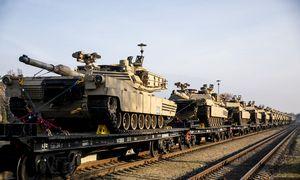 Į Lietuvą atvyko dislokuojamo JAV bataliono tankai