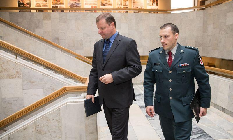 Premjeras Saulius Skvernelis ir policijos generalinis komisaras Linas Pernavas. Juditos Grigelytės (VŽ) nuotr.