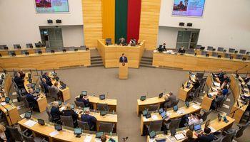 Seimas grąžino tobulinimui Transporto priemonių taršos mokesčio įstatymą