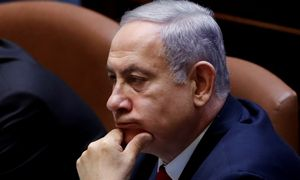 B. Netanyahu nevyko suformuoti koalicijos, galimybė atitenka pagrindiniam varžovui