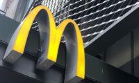"""""""McDonald's""""pelnas nuvylė – akcijos atpigo 5%"""