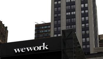 """""""Softbank"""" gelbėja """"WeWork"""" – įlies milijardus dolerių, valdys 80% akcijų"""