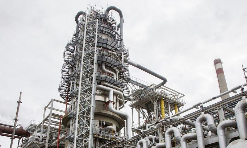 """Naftos perdirbimo įmonės akcinės bendrovės """"ORLEN Lietuva"""" naftos produktų gamykla Mažeikių rajone. Vladimiro Ivanovo (VŽ) nuotr."""