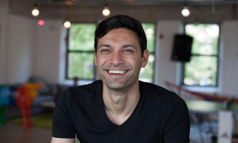 """""""Bunq"""" įkūrėjas verslininkas Ali Niknamas. """"Bunq"""" nuotr."""
