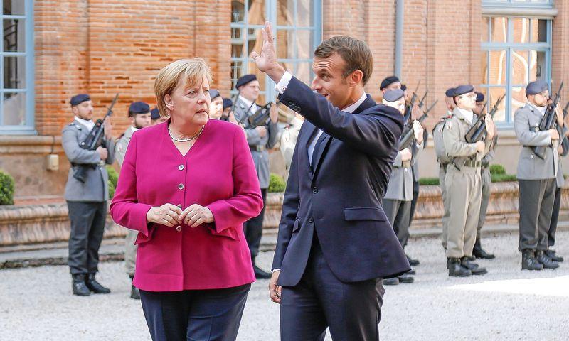 """Analitikų teigimu, Emmanuelio Macrono bandymas perimti Aangelos Merkel priklausiusį pagrindinio tarpininko Ukrainos konflikte vaidmenį buvo ypač įžeidžiantis. J. M. HAEDRICHO (SIPA / """"SCANPIX"""") NUOTR."""