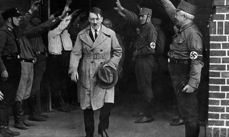 """A. Hitleris siekė užimti Sovietų Sąjungos naftos telkinius Kaukaze, nes kitaip manė pralaimėsiąs karą. (""""AP""""/""""Scanpix"""") nuotr."""
