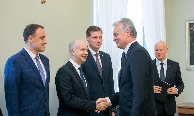 """Prezidentas dalyvavo pasitarime dėl ekstremaliųjų situacijų valdymo. Juliaus Kalinsko (""""15min"""") nuotr."""