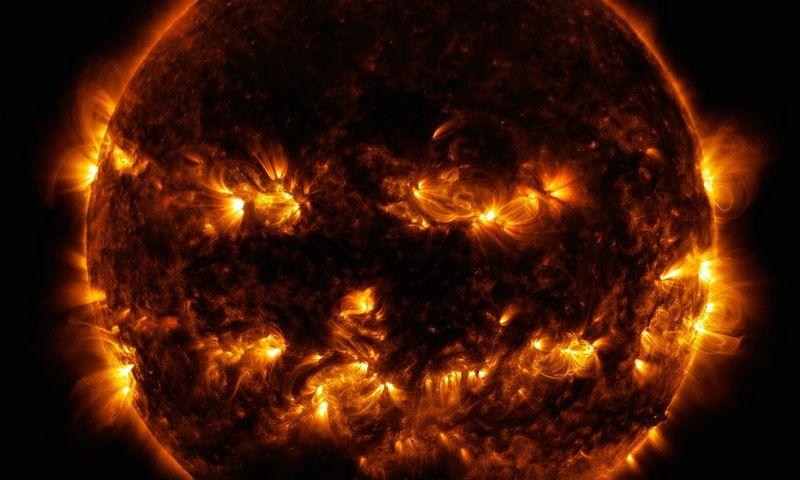 Saulė - moliūgas. NASA nuotr.