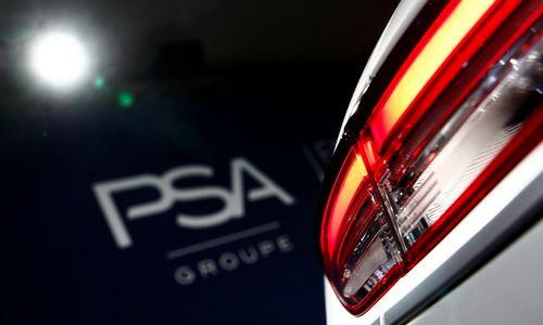 """""""Fiat Chrysler""""irPSA tariasi dėl susijungimo"""