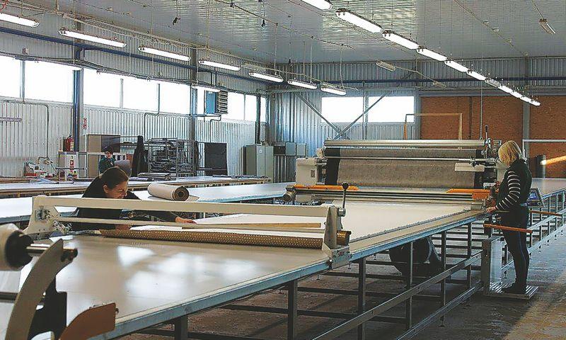 """Šiaulių r. UAB """"Rojaus baldai"""", investavusi į naujus įrenginius, padidino pajamas ir gamybą: nuo 100.000 Eur 2016 m. iki 600.000 Eur šiemet. Bendrovės nuotr."""
