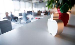 """""""Apple"""" suvaldo pardavimų mažėjimą Kinijoje"""